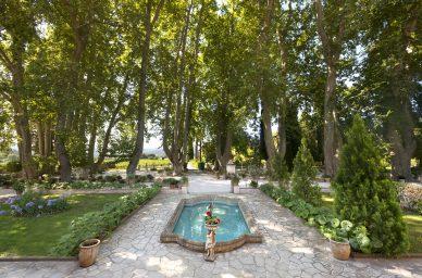Château-de-l'Aumérade-castle-france-winetourisme-wine-vin-winetourbooking-oenotourisme