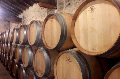barriques-chateau-clarisse-oenotourisme-vin-rouge-visite-degustation-france-wine-vin-tourisme-winetourbooking-oenotourisme-bordeaux