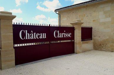 chateau-clarisse-portail-entree-visite-degustation-oenotourisme-vin-rouge-saint-emilion-puisseguin-france-wine-vin-tourisme-winetourbooking-oenotourisme-bordeaux