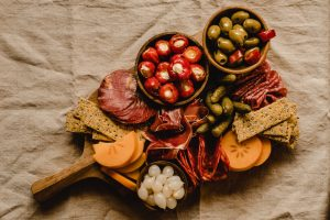 Plateau charcuterie vin Savoie wine tour booking